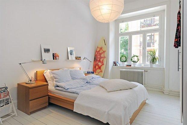 Фотография: Спальня в стиле Скандинавский, Современный, Малогабаритная квартира, Квартира, Швеция, Мебель и свет, Дома и квартиры, Гетеборг – фото на INMYROOM