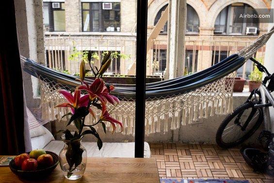 Фотография: Ванная в стиле Эко, Декор интерьера, Текстиль, Airbnb, Гамак – фото на INMYROOM