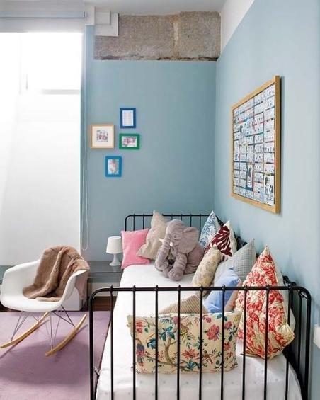 Фотография: Спальня в стиле Прованс и Кантри, Эклектика, Декор интерьера, Дом, Антиквариат, Дома и квартиры, Стена, Мадрид – фото на INMYROOM