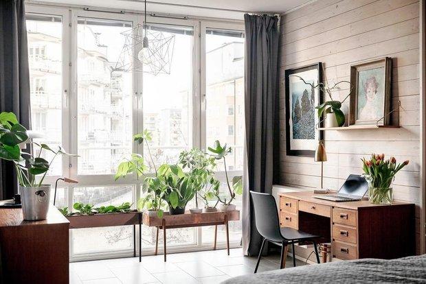 Фотография: Спальня в стиле Скандинавский, Классический, Декор интерьера, Квартира, Швеция, Белый, Красный, Серый, 2 комнаты, Более 90 метров – фото на INMYROOM