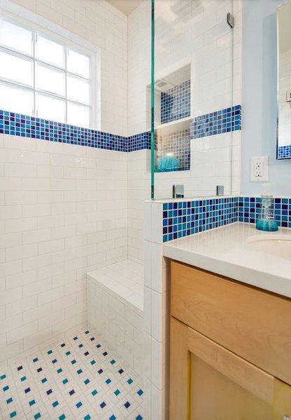 Фотография: Ванная в стиле Скандинавский, Современный, DIY, Малогабаритная квартира, Квартира, Планировки, Переделка, Голубой – фото на INMYROOM