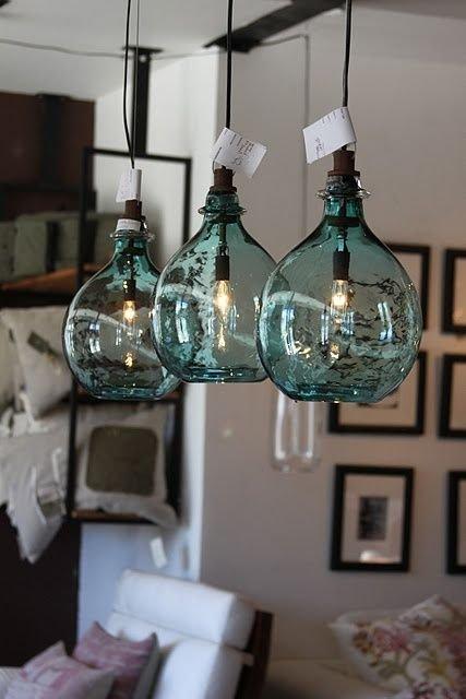 Фотография:  в стиле , Декор интерьера, Советы, стекло в интерьере, пластик в интерьере, интерьерный тренд, тенденция – фото на INMYROOM