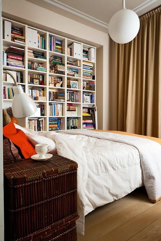 Фотография: Спальня в стиле Современный, Малогабаритная квартира, Квартира, Цвет в интерьере, Дома и квартиры, Переделка – фото на INMYROOM