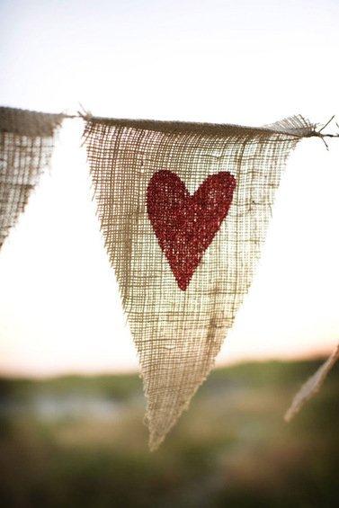 Фотография: Гостиная в стиле Прованс и Кантри, Декор интерьера, DIY, Праздник, День святого Валентина – фото на InMyRoom.ru