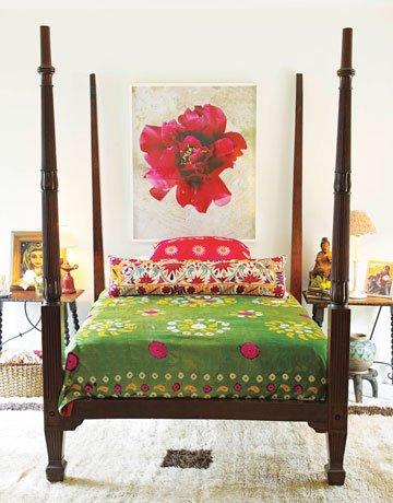 Фотография: Спальня в стиле Восточный, Декор интерьера, Квартира, Дом, Декор дома, Люди, Картины – фото на INMYROOM