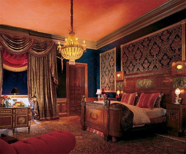 Фотография: Спальня в стиле Классический, Современный, Дома и квартиры, Интерьеры звезд – фото на InMyRoom.ru
