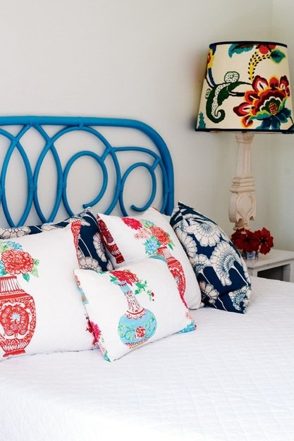 Фотография: Спальня в стиле Прованс и Кантри, Интерьер комнат, Кровать, Гардероб, Комод, Пуф, Табурет – фото на INMYROOM