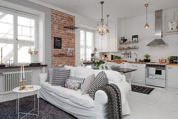 Фотография: Кухня и столовая в стиле , Декор интерьера, Малогабаритная квартира, Квартира, Дома и квартиры, Советы, Зеркало – фото на InMyRoom.ru