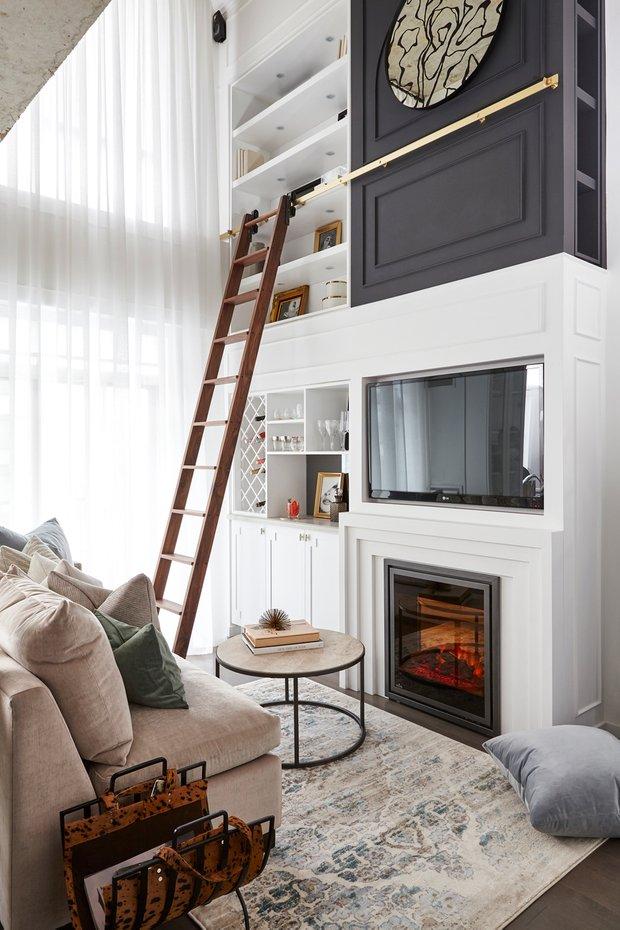 Фотография: Гостиная в стиле Современный, Декор интерьера, Квартира, США, Белый, Черный, Бежевый, 40-60 метров – фото на INMYROOM