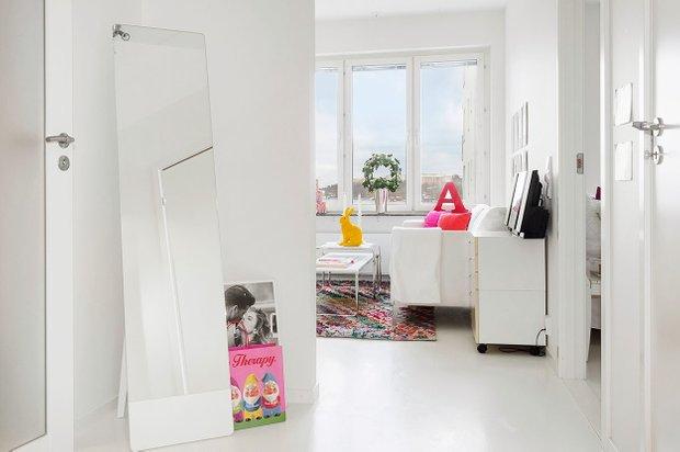 Фотография: Прихожая в стиле Скандинавский, Малогабаритная квартира, Квартира, Цвет в интерьере, Дома и квартиры – фото на INMYROOM