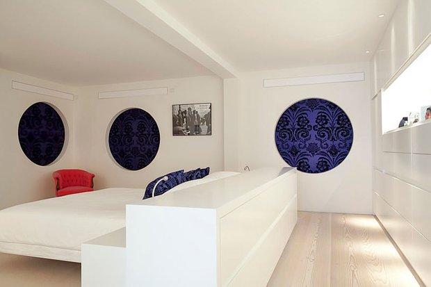 Фотография: Спальня в стиле Современный, Квартира, Дома и квартиры, Архитектурные объекты – фото на INMYROOM