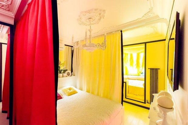 Фотография: Спальня в стиле Классический, Современный, Эклектика, Декор интерьера, Интерьер комнат – фото на INMYROOM