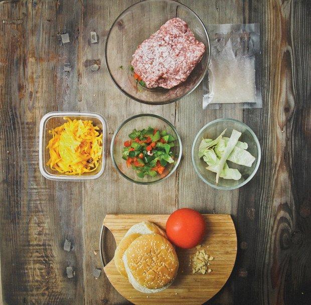Фотография:  в стиле , Обед, Ужин, Основное блюдо, Жарить, Сэндвич, Мясо, Кулинарные рецепты, 30 минут, Пришли гости, Закуска перед телевизором – фото на INMYROOM