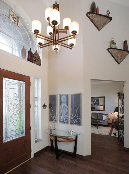 Фотография: Прихожая в стиле Современный, Декор интерьера, Декор дома, Цвет в интерьере, Обои – фото на INMYROOM