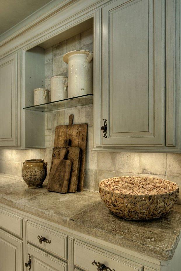 Фотография: Кухня и столовая в стиле Прованс и Кантри, Декор интерьера, Декор, Мебель и свет, освещение – фото на INMYROOM
