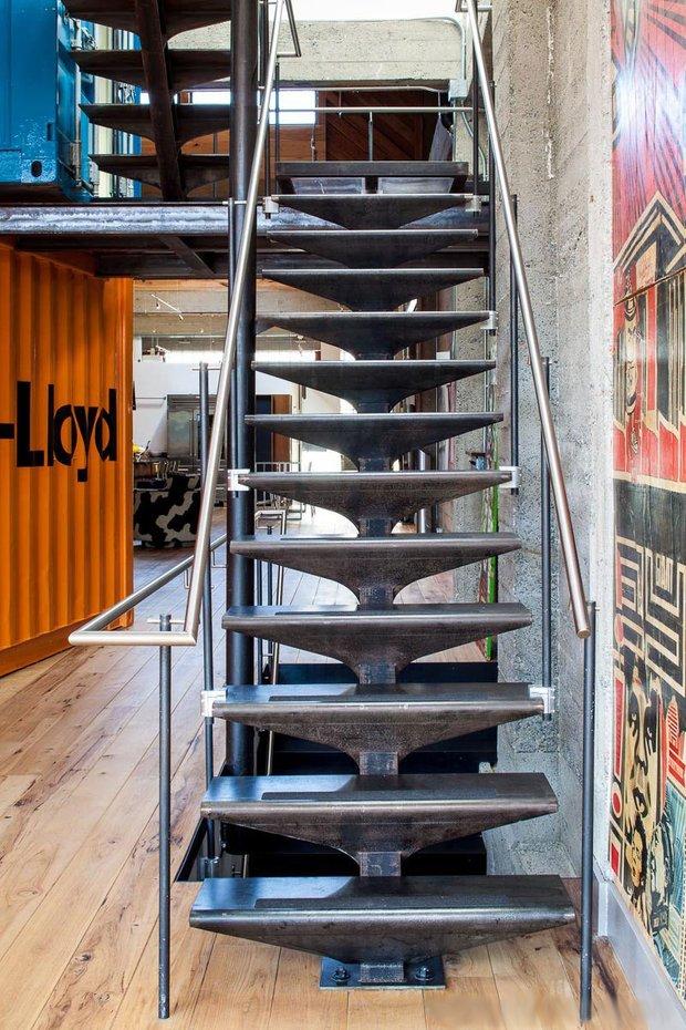 Фотография:  в стиле Лофт, Квартира, Дома и квартиры, Проект недели, Футуризм, Потолок – фото на InMyRoom.ru