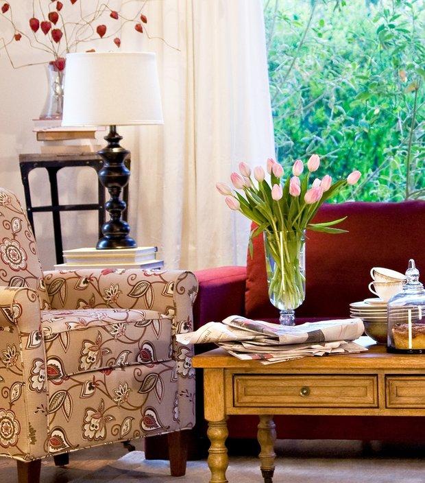 Фотография: Гостиная в стиле Классический, Современный, Декор интерьера, Декор дома, Ковер – фото на INMYROOM