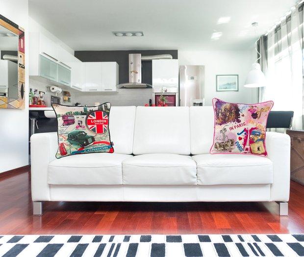 Фотография: Гостиная в стиле Современный, Интерьер комнат, Тема месяца, Подушки, Поп-арт – фото на INMYROOM