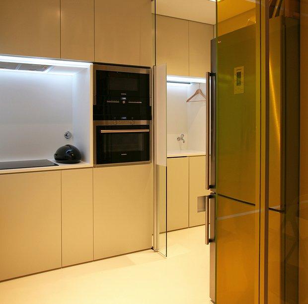 Фотография: Кухня и столовая в стиле Современный, Малогабаритная квартира, Квартира, Дома и квартиры – фото на INMYROOM