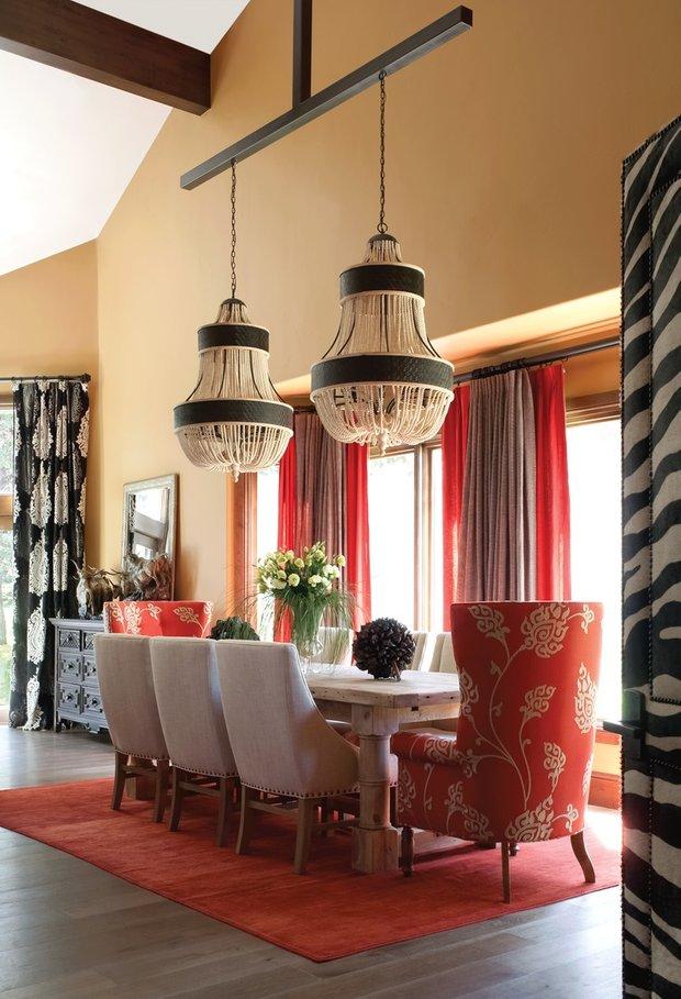 Фотография: Кухня и столовая в стиле Восточный, Классический, Декор интерьера, DIY, Мебель и свет, Советы, Люстра – фото на INMYROOM