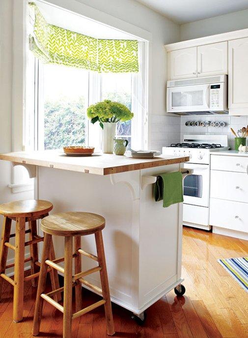 Фотография: Кухня и столовая в стиле Классический, Современный, Декор интерьера, Дом, Цвет в интерьере, Дома и квартиры, Стены, Синий – фото на INMYROOM
