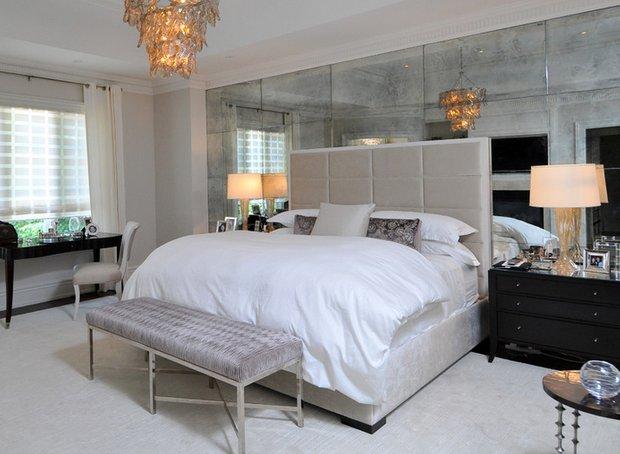 Фотография: Спальня в стиле Эклектика, Декор интерьера, Малогабаритная квартира, Квартира, Дома и квартиры, Советы, Зеркало – фото на InMyRoom.ru