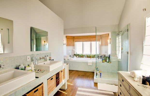 Фотография: Ванная в стиле Современный, Дома и квартиры, Интерьеры звезд – фото на INMYROOM