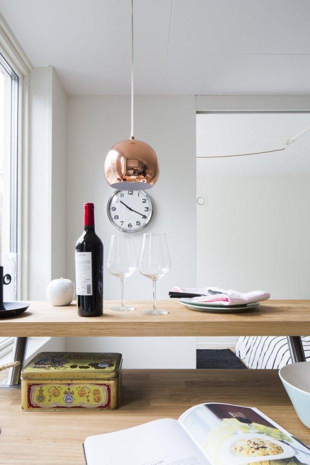 Фотография: Кухня и столовая в стиле Лофт, Современный, Скандинавский, Малогабаритная квартира, Квартира, Планировки, Хранение – фото на INMYROOM