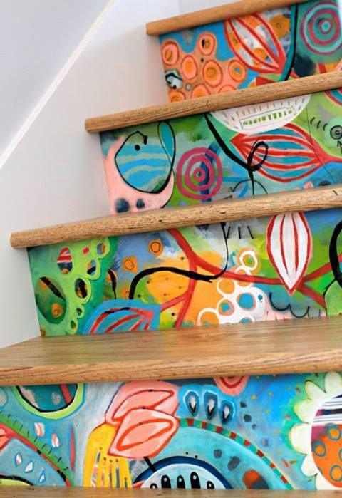Фотография: Спальня в стиле Скандинавский, Архитектура, Декор, Мебель и свет, Ремонт на практике, Никита Морозов, освещение для лестницы, какую выбрать лестницу, какие бывают лестницы, прямая лестница, винтовая лестница, лестница на больцах, подвесная лестница, ограждение для лестниц, как украсить лестницу – фото на InMyRoom.ru