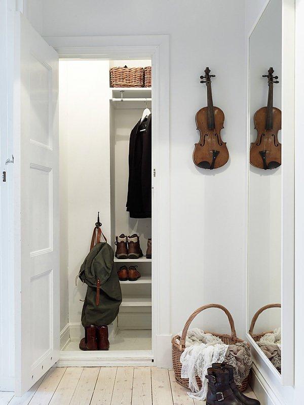 Фотография: Прихожая в стиле Скандинавский, Прованс и Кантри, Декор интерьера, Квартира, Белый – фото на INMYROOM