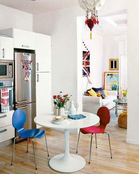 Фотография: Кухня и столовая в стиле Скандинавский, Декор интерьера, Квартира, Цвет в интерьере, Дома и квартиры, Стены – фото на INMYROOM