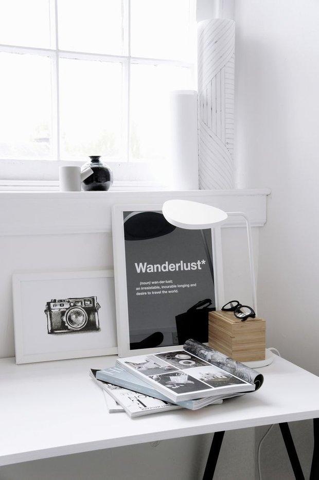 Фотография: Кабинет в стиле Современный, Декор интерьера, как обустроить рабочее место дома, рабочее место в квартире, обустройство рабочего места – фото на INMYROOM