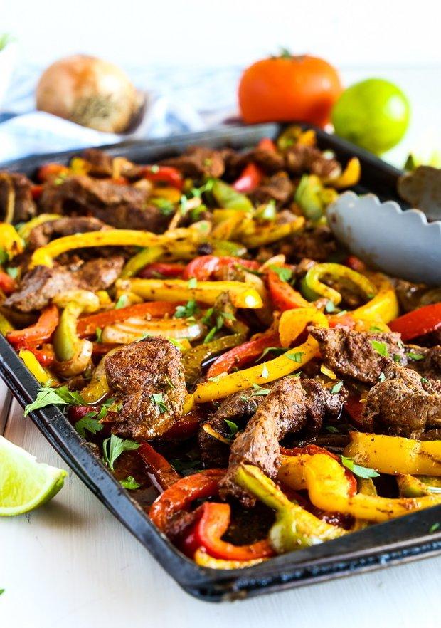 Фотография:  в стиле , Малогабаритная квартира, Основное блюдо, Кулинарные рецепты, Мексиканская кухня, Просто, Говядина, Запекание – фото на INMYROOM