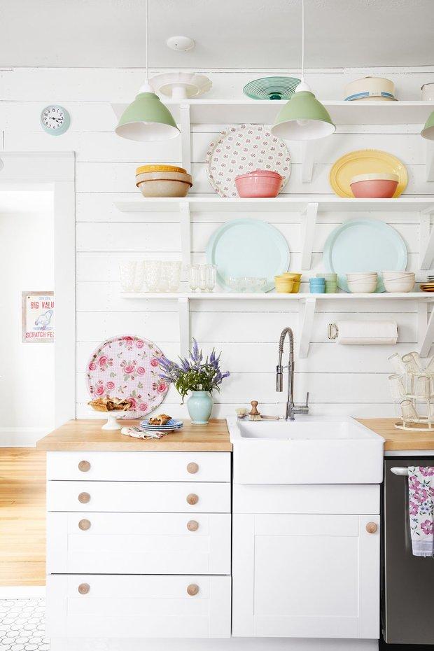 Фотография: Кухня и столовая в стиле Прованс и Кантри, Декор интерьера, Дом, США, Белый, Дом и дача – фото на INMYROOM