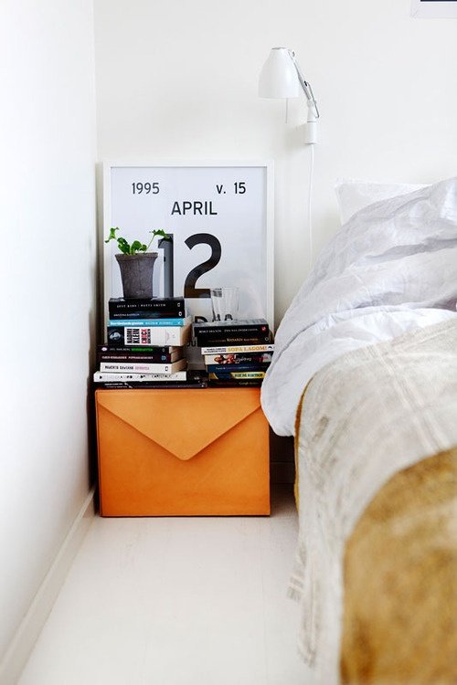 Фотография: Спальня в стиле Скандинавский, Современный, Декор интерьера, Дизайн интерьера, Цвет в интерьере, Оранжевый – фото на InMyRoom.ru