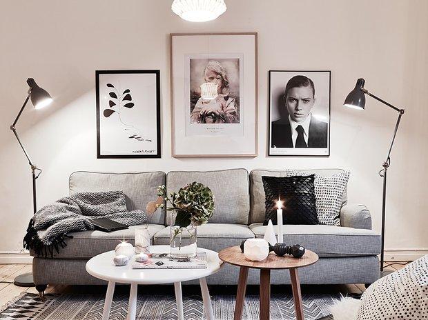 Фотография: Гостиная в стиле Скандинавский, Декор интерьера, Малогабаритная квартира, Квартира, Дома и квартиры, Советы, Зеркало – фото на INMYROOM