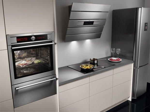 Фотография: Кухня и столовая в стиле Современный, Хай-тек, BOSCH, Индустрия, События – фото на INMYROOM