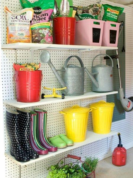 Фотография: Прочее в стиле Прованс и Кантри, Дом и дача, как обустроить гараж, хранение в гараже, как обустроить дачный сарай, идеи для гаража – фото на InMyRoom.ru