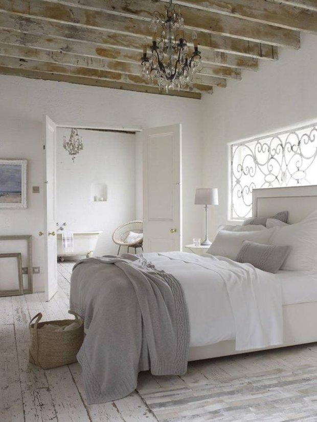 Фотография: Спальня в стиле Скандинавский, Декор интерьера, Дизайн интерьера, Цвет в интерьере, Потолок – фото на INMYROOM