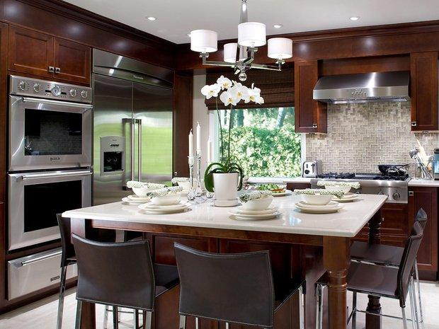 Фотография: Кухня и столовая в стиле Современный, Стиль жизни, Советы, Лестница, Чердак – фото на InMyRoom.ru