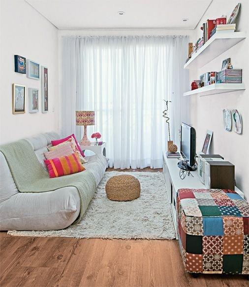 Фотография: Гостиная в стиле Современный, Квартира, Декор, Советы, Стены, Ремонт на практике, освещение – фото на INMYROOM