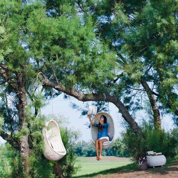 Фотография: Ландшафт в стиле Прованс и Кантри, Современный, Декор интерьера, Мебель и свет, Дача, Кресло, Для дачи и сада – фото на INMYROOM