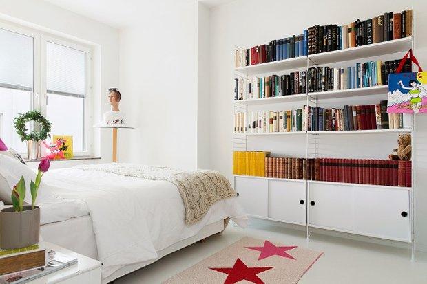 Фотография: Спальня в стиле Современный, Скандинавский, Малогабаритная квартира, Квартира, Цвет в интерьере, Дома и квартиры – фото на InMyRoom.ru