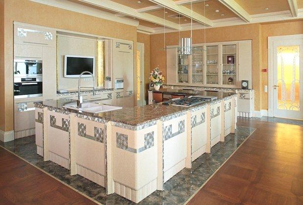 Фотография: Кухня и столовая в стиле Современный, Декор интерьера, Мебель и свет, Мозаика, Декоративная штукатурка, Альтокка – фото на INMYROOM