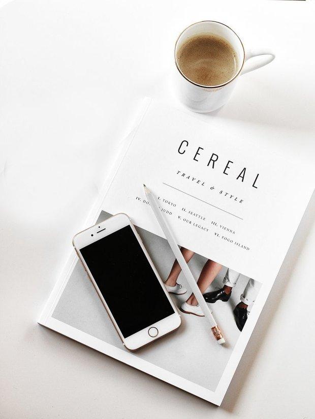 Фотография: Спальня в стиле Классический, Современный, Читать, смотреть, слушать – фото на INMYROOM