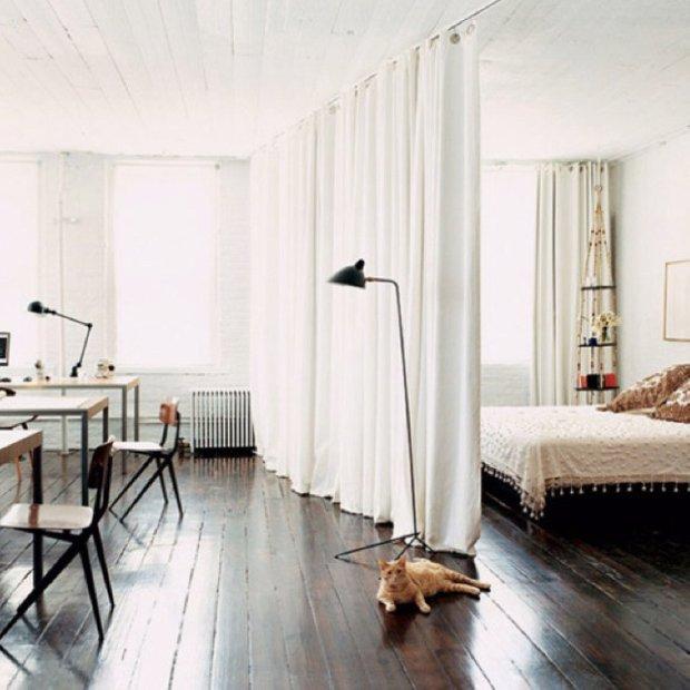 Фотография: Спальня в стиле Скандинавский, Декор интерьера, Текстиль, Декор, Текстиль, Ткани, Шторы – фото на INMYROOM
