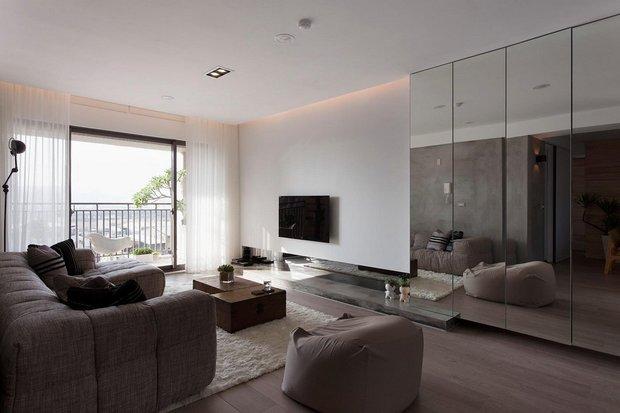 Фотография: Гостиная в стиле Лофт, Декор интерьера, Декор дома, Зеркала – фото на INMYROOM