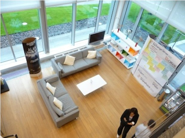 Фотография: Гостиная в стиле Современный, Офисное пространство, Индустрия, Люди – фото на INMYROOM