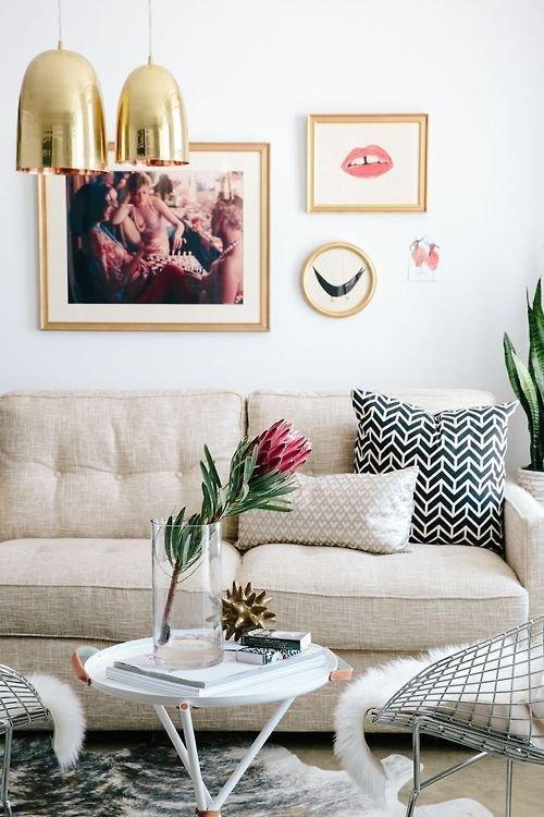 Фотография: Гостиная в стиле Скандинавский, Декор интерьера, Дизайн интерьера, Цвет в интерьере, Желтый – фото на INMYROOM