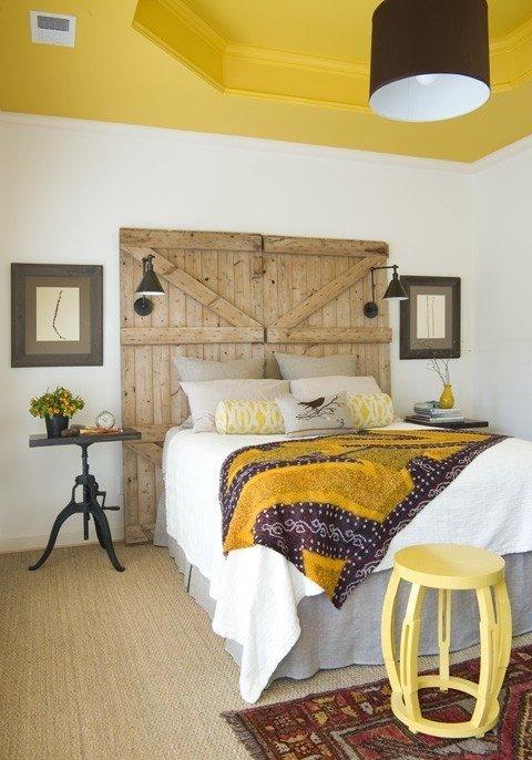Фотография: Спальня в стиле Прованс и Кантри, Декор интерьера, Дизайн интерьера, Цвет в интерьере, Потолок – фото на INMYROOM